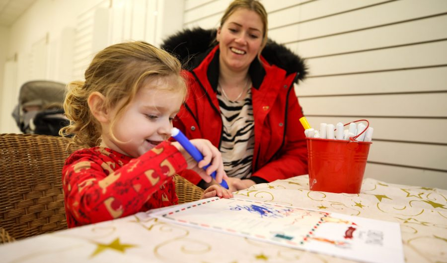 TAKEN:  30th November 2019   Castlegate and Wellington Square Events: Letters to Santa, crafts and also Santa's Grotto in the Castlegate. BYLINE: DAVE CHARNLEY PHOTOGRAPHY